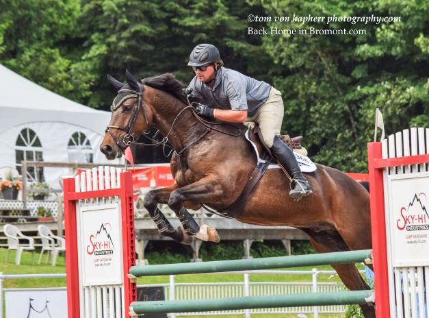 ©tom von kapherr photography.com Back Home in Bromont.com